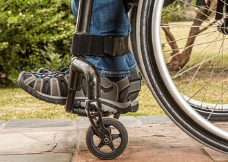 Thumb wheelchair 1595802 1920