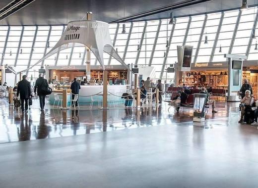Medium nice airport