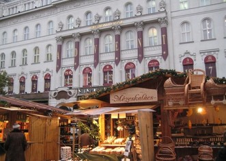 Thumb budapest christmas market facebook header winter sights hargittai 924x693