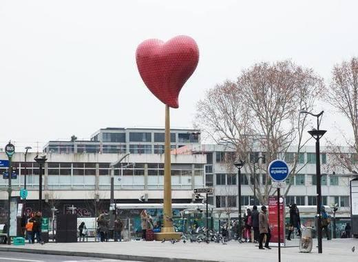 Medium the heart of paris 18