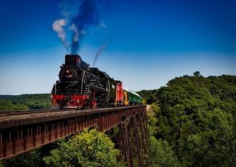Thumb train 1728537 640