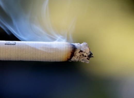 Medium cigarette 666941 640
