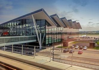 Thumb airport 2673388 1280