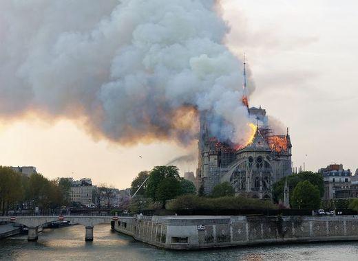 Medium large incendie notre dame 5   henri garat   ville de paris