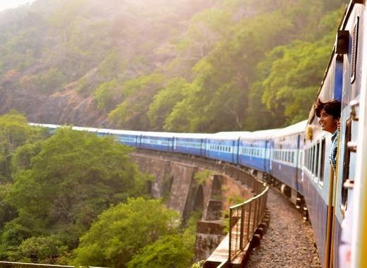 Medium train 947323 1280