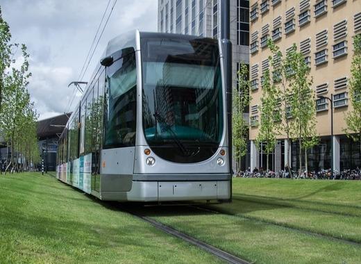 Medium tram 1481395 1280