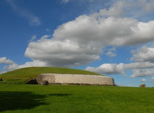 Medium ireland 698199 1280 newgrange pixa