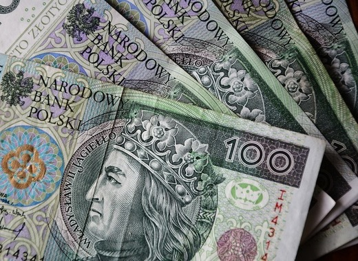 Medium polish zloty