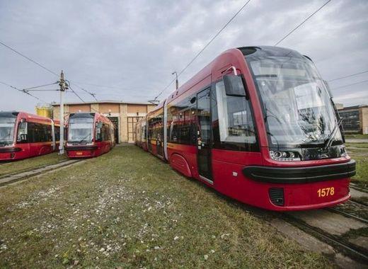 Medium lodz trams