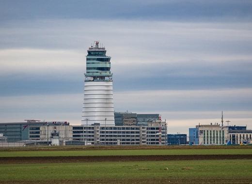 Medium airport 1556470 1280