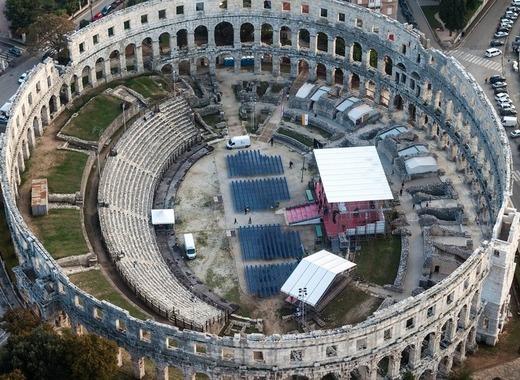 Medium amphitheater 335570 1280