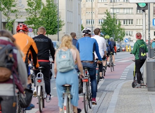 Medium cyclists 4242229 1280