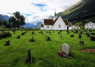 Thumb cemetery 4102571 1280