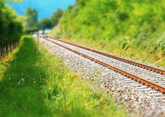 Thumb railway rails 4483391 1280