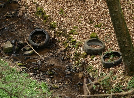 Medium auto tires 308105 1920