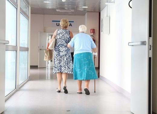 Medium elderly 1461424 1280