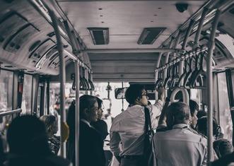 Thumb bus 3654122 1280