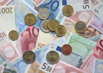 Thumb euro 1159935 1280