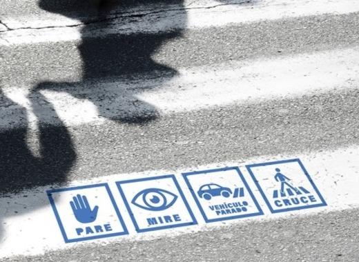 Medium pasos de peatones inclusivos