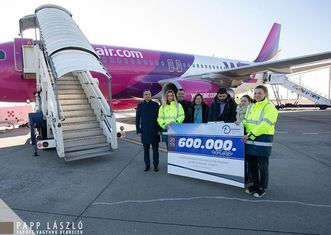 Thumb debrecen airport 600 000th passenger
