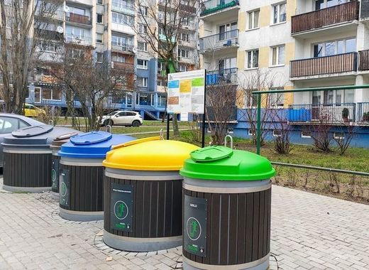 Medium lodz waste segregation containers   pawe%c5%82 %c5%81acheta