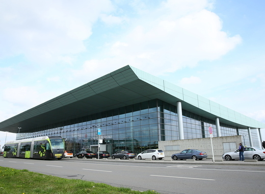 Medium luxairport 042015 terminal   j. bands   lux airport