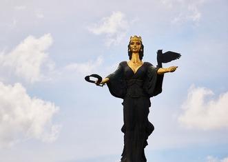 Thumb sofia statue