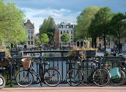 Medium amsterdam 2799491 1920