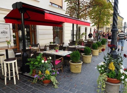 Medium budapest cafe