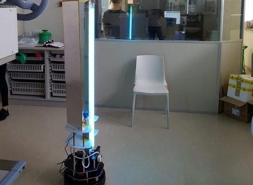 Medium robot violet