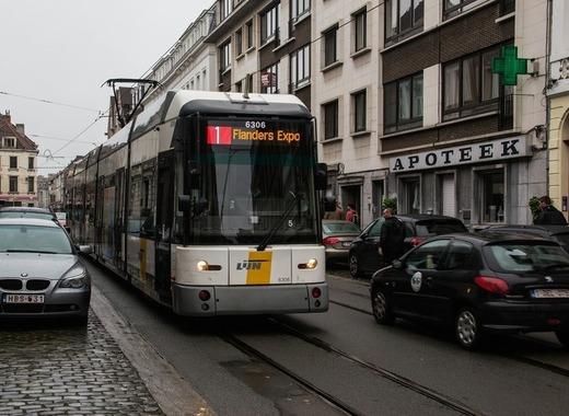 Medium tram 394660 1920