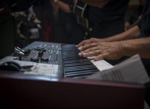 Medium piano 3703616 1920