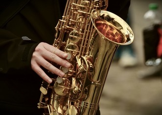 Thumb saxophone 3246650 1920