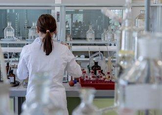 Thumb laboratory 2815641 1920
