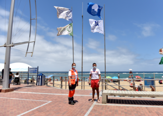 Thumb blue flag at las canteras