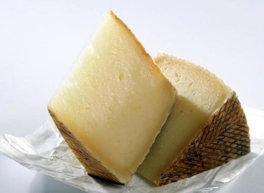 Medium manchego cheese
