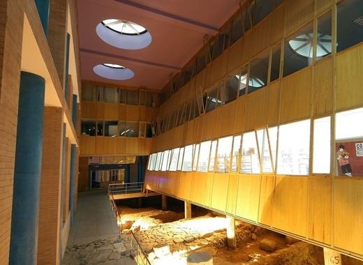 Medium centro cultural alcazaba