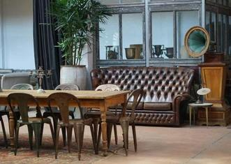 Thumb old furniture