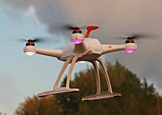 Thumb drone 1765144 1920