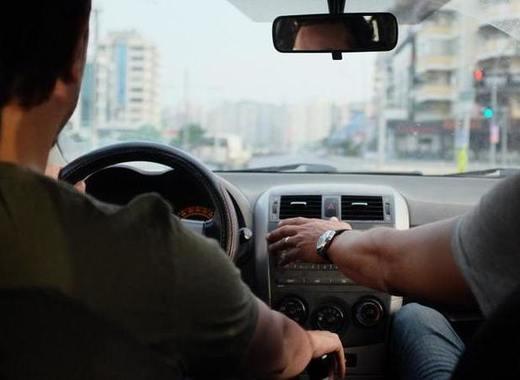 Medium driving lesson