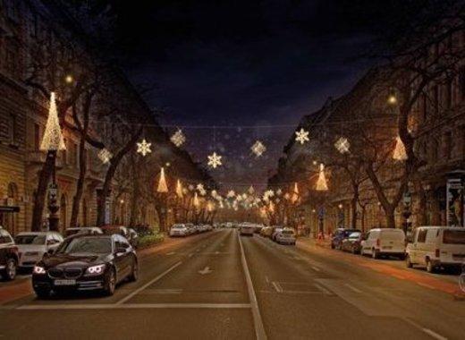 Medium budapest 2020 christmas decorations