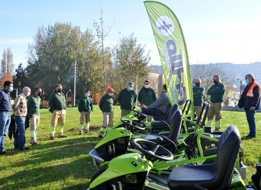 Medium braga lawn tractors