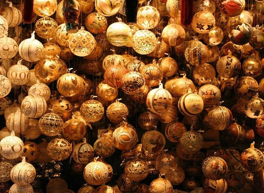Medium christmas tree decorations 2973797 1280