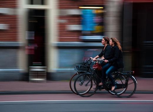 Medium cyclists 690644 960 720