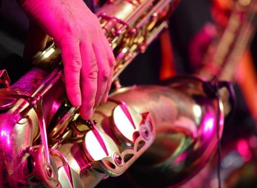 Medium saxophone 3366032 960 720