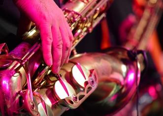 Thumb saxophone 3366032 960 720
