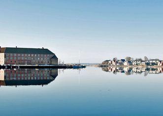 Thumb sonderborg slot genspejles i havnen top