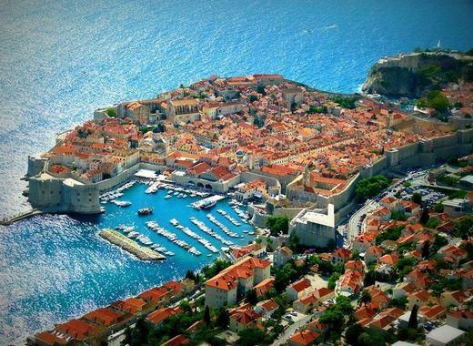 Medium tourism around the world
