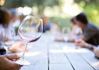 Thumb wineglass 553467 1280