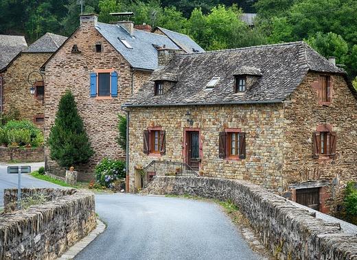 Medium old village 2823175 1280